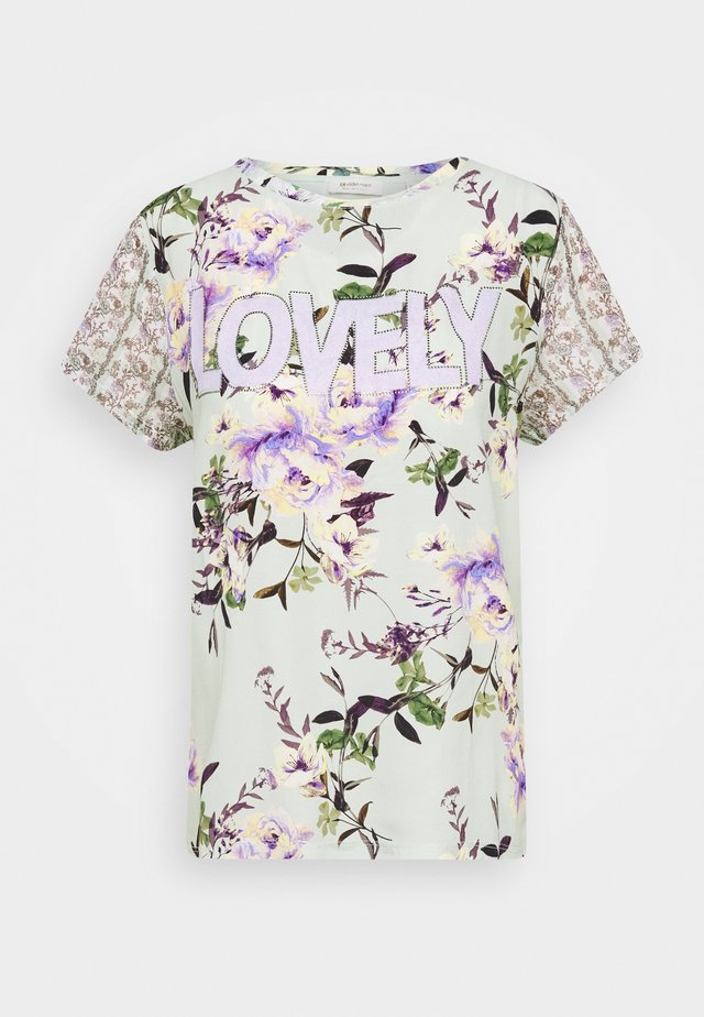 LOVELY WITH FLOWER PRINT - Print T-shirt - jade mint