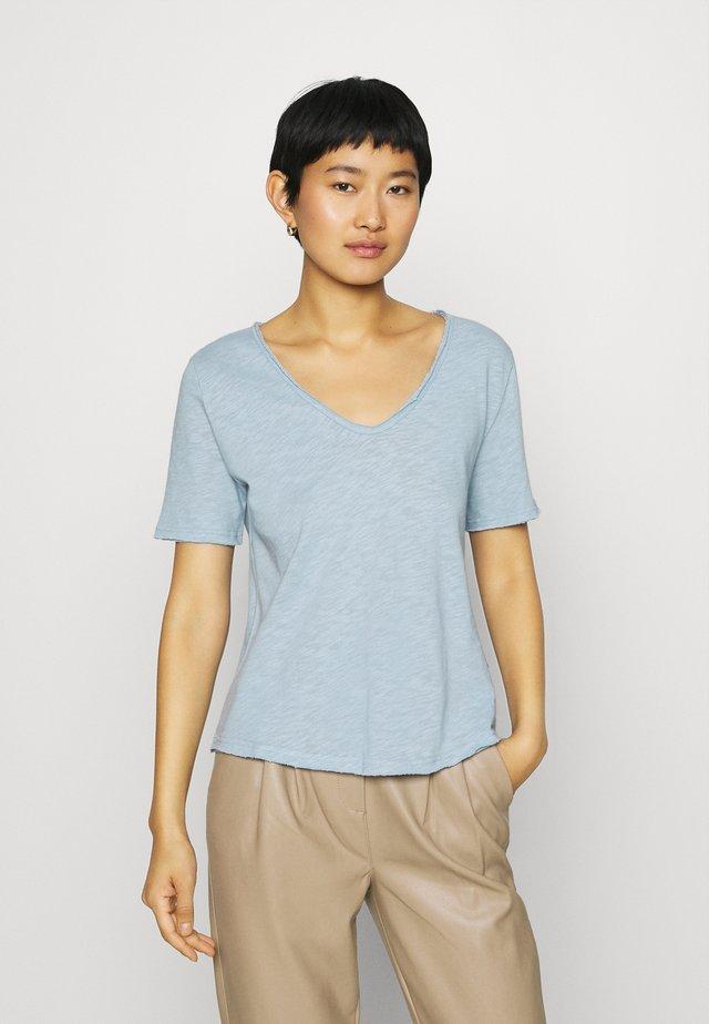 HEAVY - T-shirts - dove blue