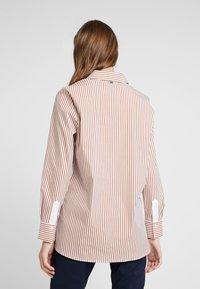 Rich & Royal - STRIPED BLOUSE - Button-down blouse - ginger brown - 2