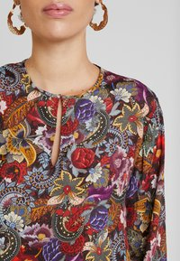 Rich & Royal - BLOUSE PRINTED - Camicetta - cherry red - 5
