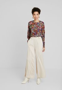 Rich & Royal - BLOUSE PRINTED - Camicetta - cherry red - 1
