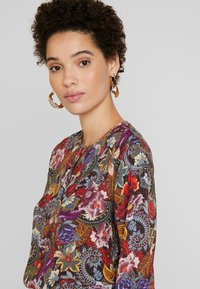 Rich & Royal - BLOUSE PRINTED - Camicetta - cherry red - 3
