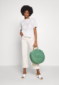 Rich & Royal - WITH EMBROIDERY ANGLAISE - Bluser - pearl white - 1