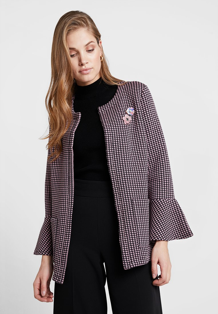 Rich & Royal - WITH WIDE CUFFS - Short coat - spring pink