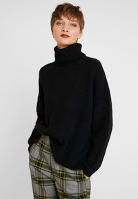 Rich & Royal - TURTLENECK - Strikkegenser - black - 0