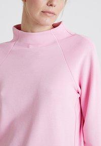 Rich & Royal - COMFY TURTLE - Topper langermet - spring pink - 4