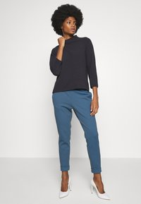 Rich & Royal - COMFY TURTLE - Long sleeved top - deep blue