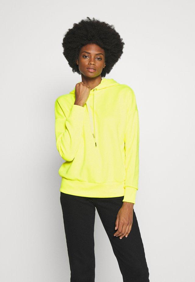 HOODIE - Bluza z kapturem - neon yellow