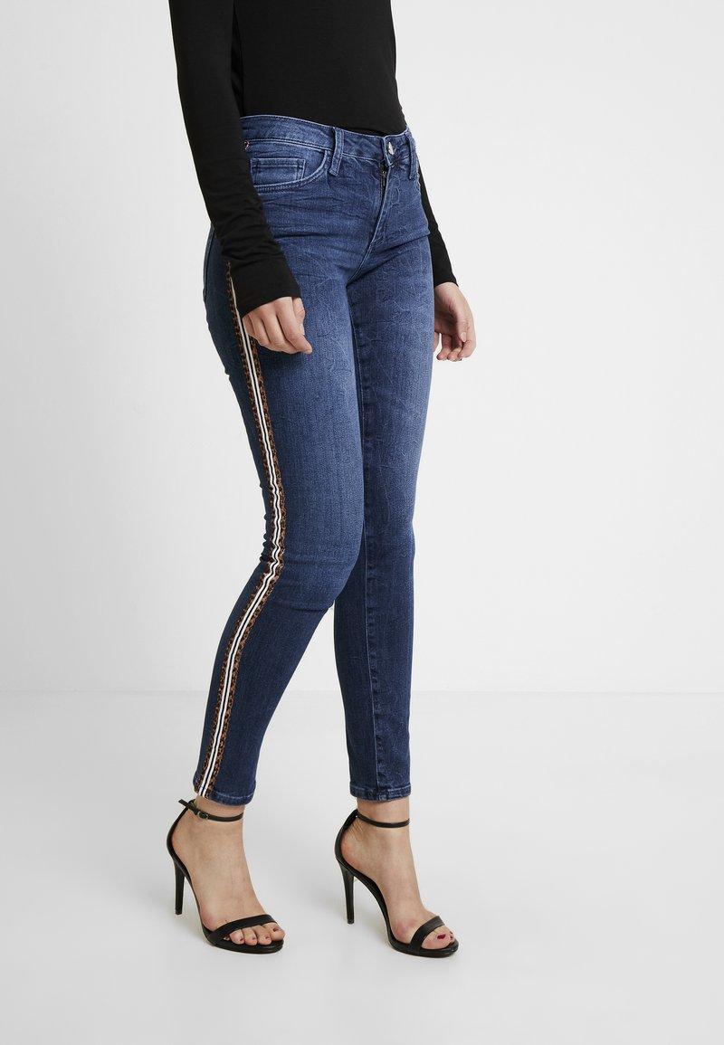 Rich & Royal - LEOPARD TAPE - Jeans Skinny Fit - denim blue