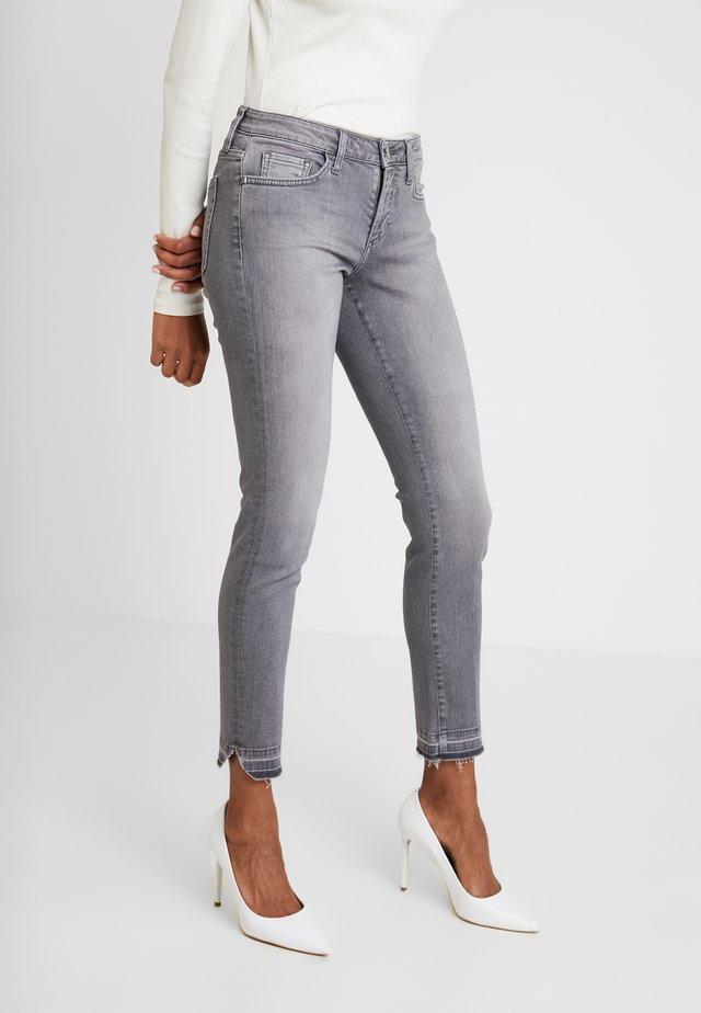 MIDI - Slim fit jeans - denim grey