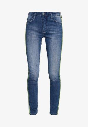 MIDI NEON PIPING - Jeans slim fit - denim blue