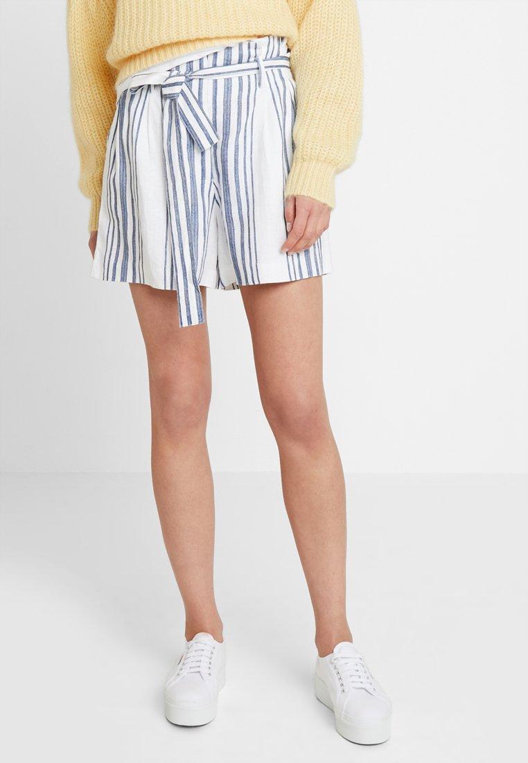 Rich & Royal - Shorts - pearl white