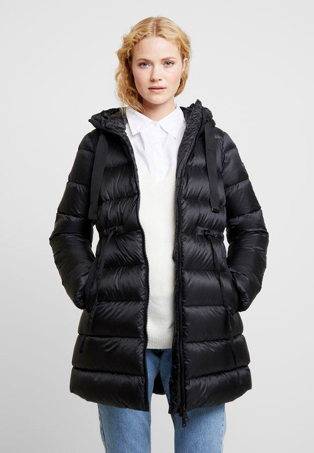 LONG - Kabát zprachového peří - black