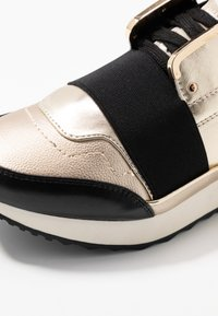 River Island - Sneaker low - gold - 2