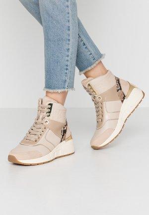 Sneakersy wysokie - beige
