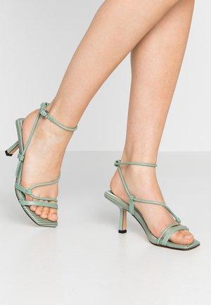 Sandales - sage