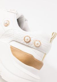 River Island - Sneakersy niskie - white - 2