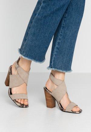 High heeled sandals - grey