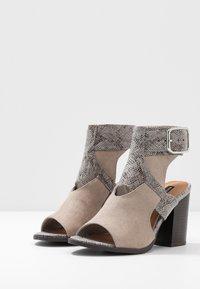 River Island - High heeled sandals - grey - 4