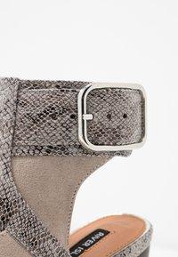 River Island - High heeled sandals - grey - 2