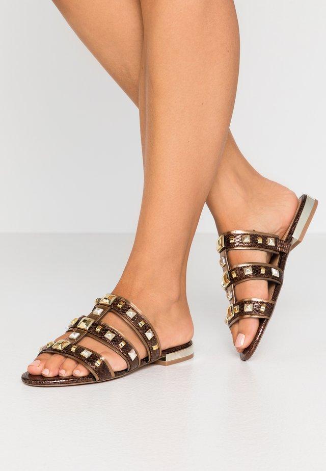 Pantolette flach - bronze