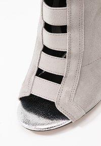 River Island - Kotníková obuv na vysokém podpatku - grey - 2