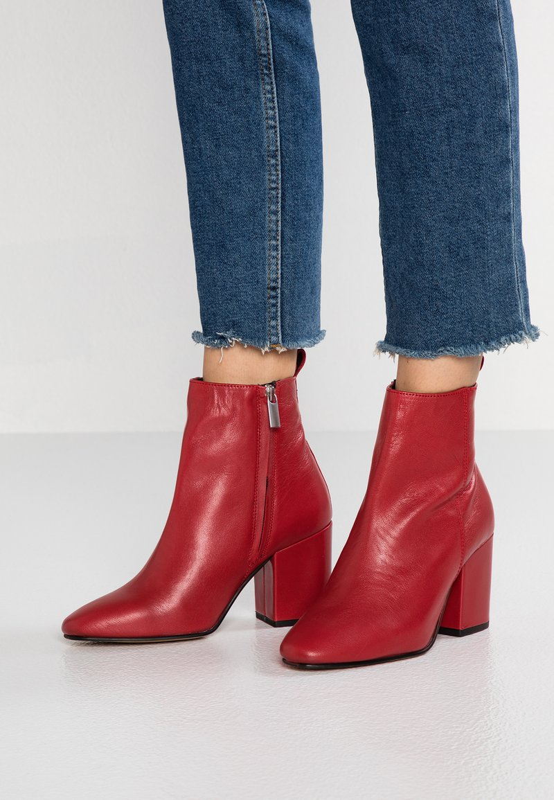 River Island - Classic ankle boots - red