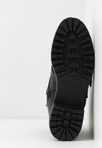River Island - Cowboy/biker ankle boot - black - 6