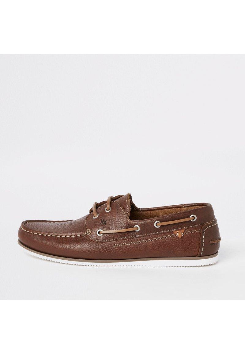River Island - Chaussures bateau - brown