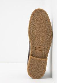 River Island - Volnočasové šněrovací boty - dark brown - 4