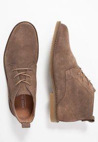 River Island - Zapatos con cordones - stone - 1