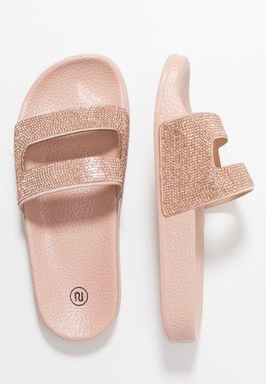 Pantolette flach - gold
