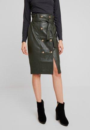 Pouzdrová sukně - khaki