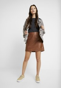 River Island - SIDE ZIP SKIRT - Mini skirt - brown - 1