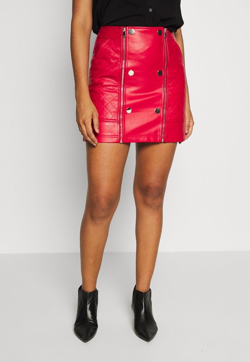 River Island - QUILTED POPPER - Mini skirt - red