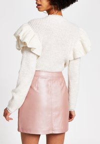 River Island - PINK FAUX LEATHER QUILTED ZIP MINI SKIRT - Jupe trapèze - pink - 2