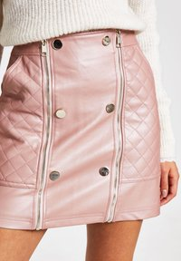 River Island - PINK FAUX LEATHER QUILTED ZIP MINI SKIRT - Jupe trapèze - pink - 3