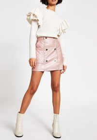 River Island - PINK FAUX LEATHER QUILTED ZIP MINI SKIRT - Jupe trapèze - pink - 1
