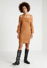 River Island - Strikket kjole - brown - 1