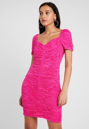 HARPER HUNZA DRESS - Kotelomekko - pink