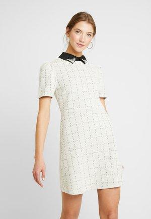Jerseyklänning - white boucle