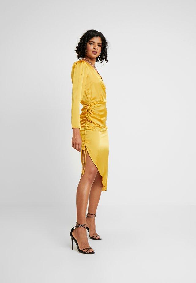 Sukienka letnia - gold