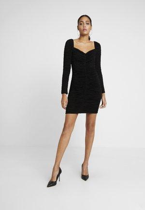 GO HARPER HUNZA DRESS - Fodralklänning - black