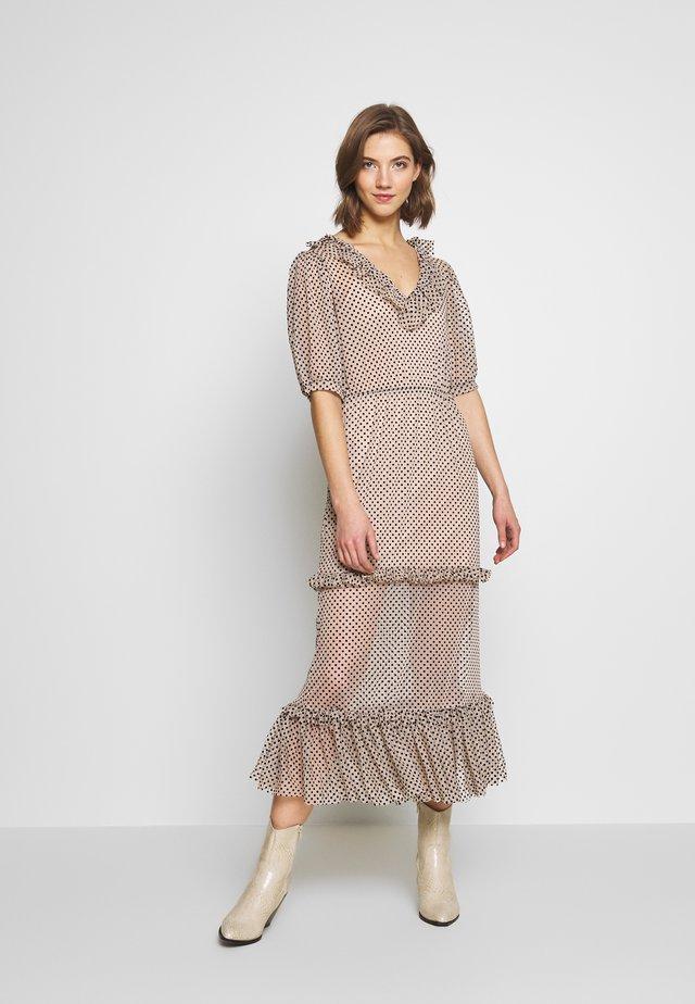 Denní šaty - tan