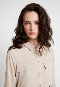 River Island - Button-down blouse - cream dark
