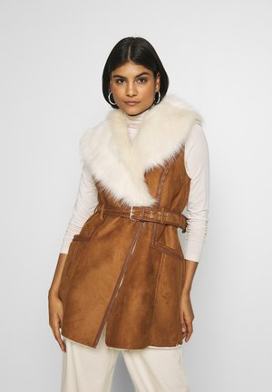Waistcoat - tan/cream fur
