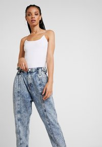 River Island - Relaxed fit jeans - acid mid - 4