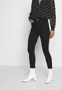 River Island - HAILEY - Jeans Skinny Fit - black - 0
