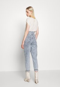 River Island - Džíny Relaxed Fit - mid acid wash - 2
