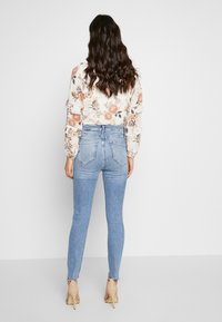 River Island - HAILEY  - Jeans Skinny Fit - mid wash - 2